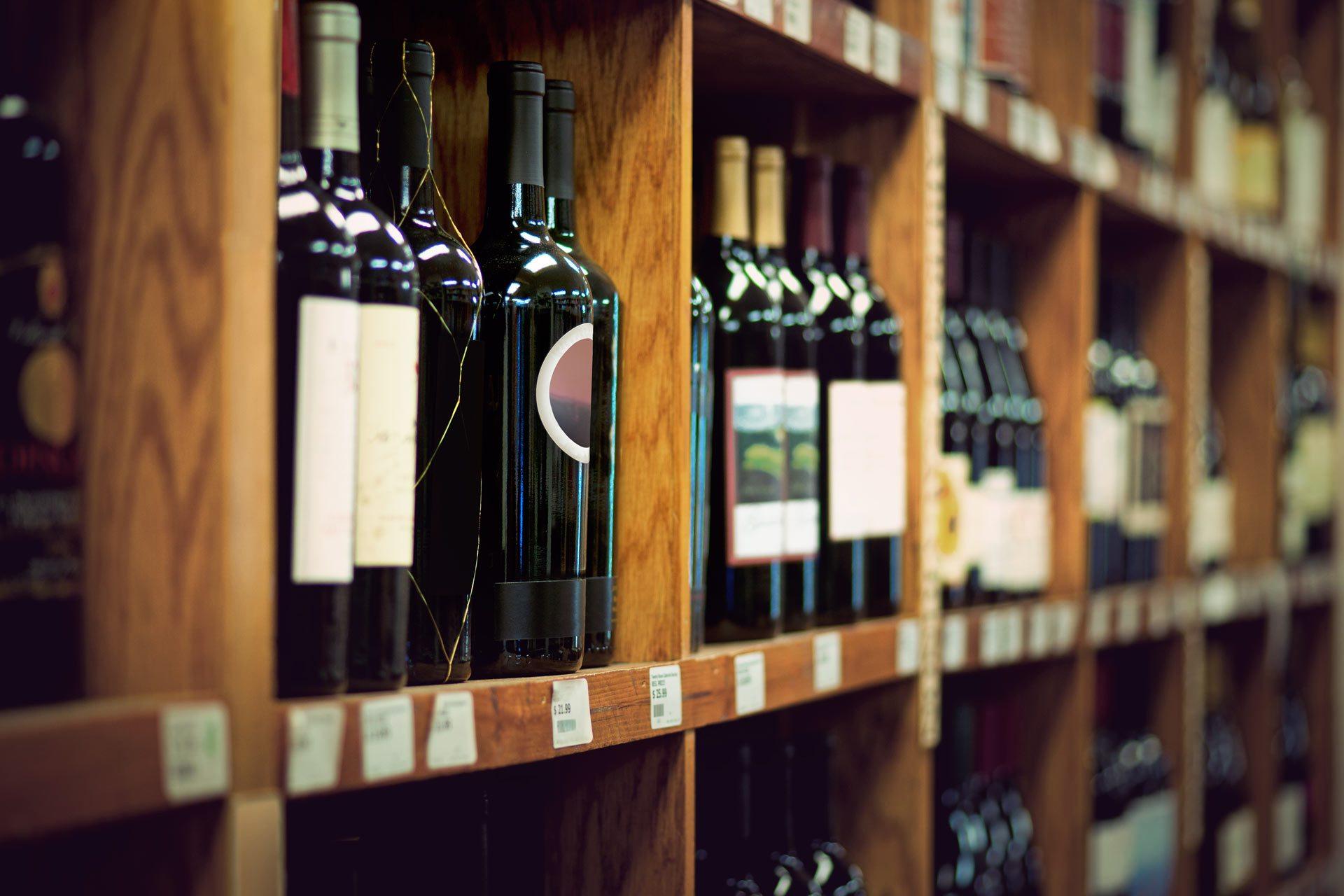 PA Hotel Ipswich | Award Winning Harry Brown's Liquor Store
